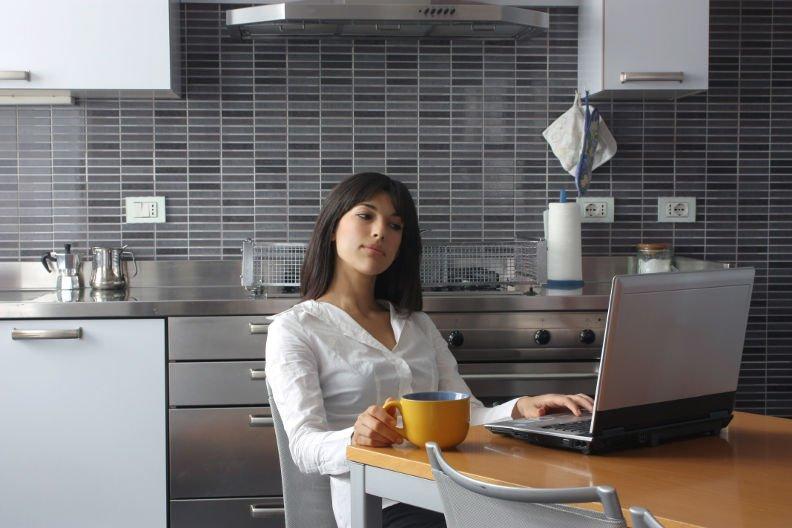 Einbauküche online kaufen – 3 Vorteile die für den Onlinekauf sprechen