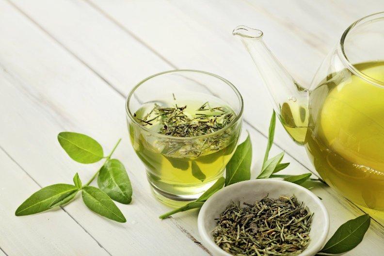 Hausmittel: Tee gegen Husten