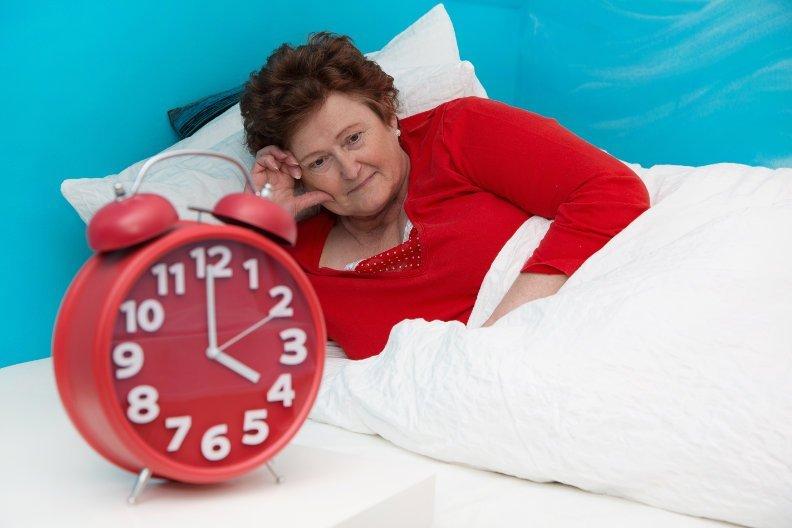 Schlafstörungen im Alter – 6 Tipps für ruhigeren Schlaf