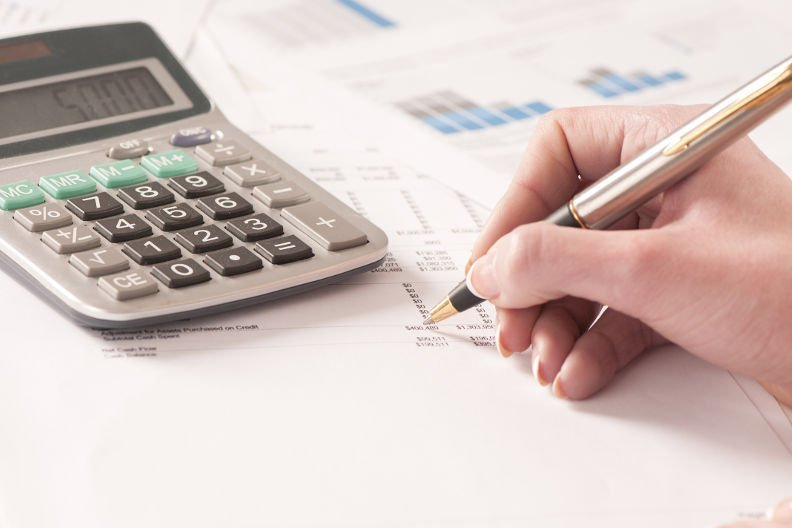 Schulden abbezahlen: Mit diesem Prioritätenplan geht's viel schneller!