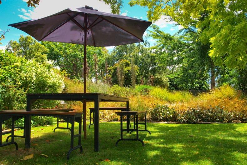Sonnenschutz im Garten – 4 Tipps
