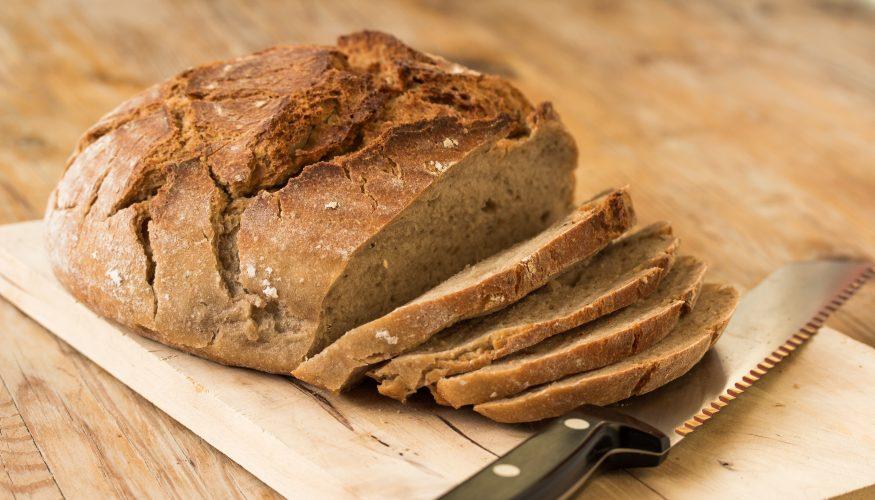 Altes Brot aufbacken – 2 Möglichkeiten