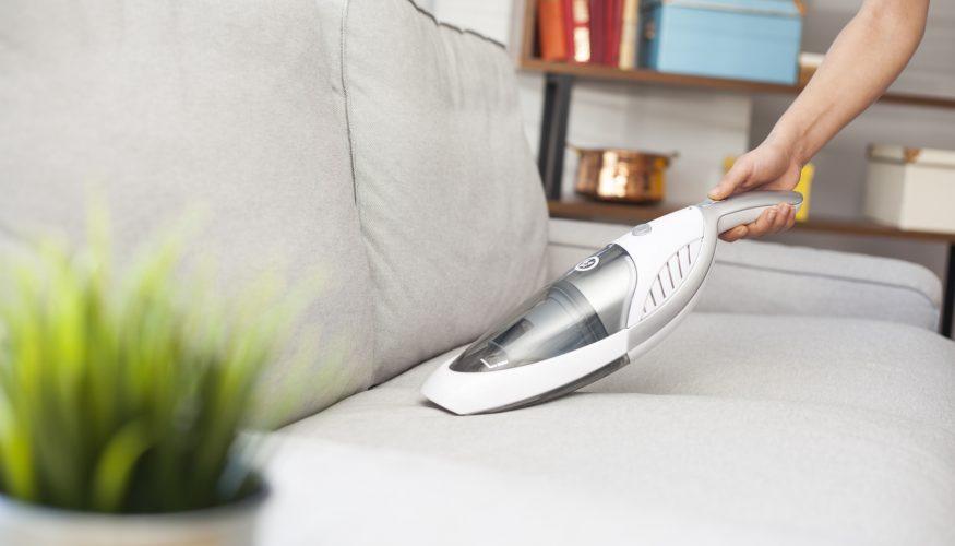 Couch reinigen – Die 11 besten Tipps & Tricks!