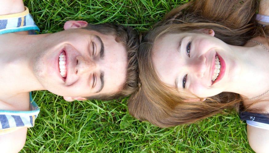 Wie sich Eltern während der ersten Liebe verhalten sollten