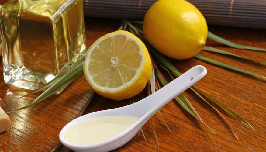 Haarkur für trockene Haare selber machen – 5 wirksame DIY-Rezepte