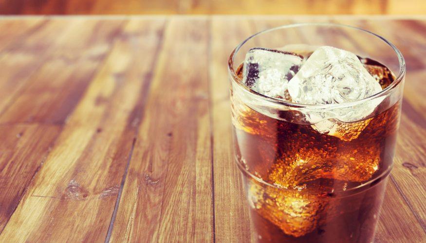 cola gegen rost cola als hausmittel gegen rost kalk und moos mein sch ner garten auto. Black Bedroom Furniture Sets. Home Design Ideas