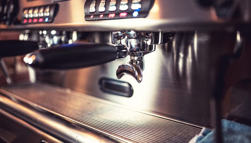 Kaffeemaschine mit essig entkalken kaffeemaschine reinigen essig kaffeemaschine entkalken in 6 - Wasserkocher entkalken essigessenz ...