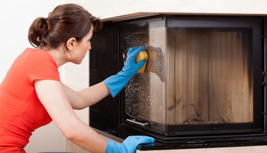 Kaminofen reinigen – So wird's gemacht
