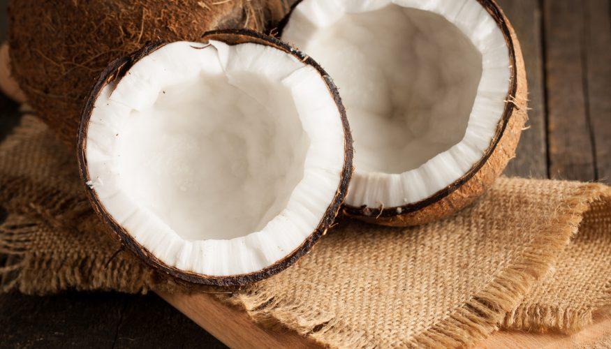 Kokosnuss öffnen – So geht's!