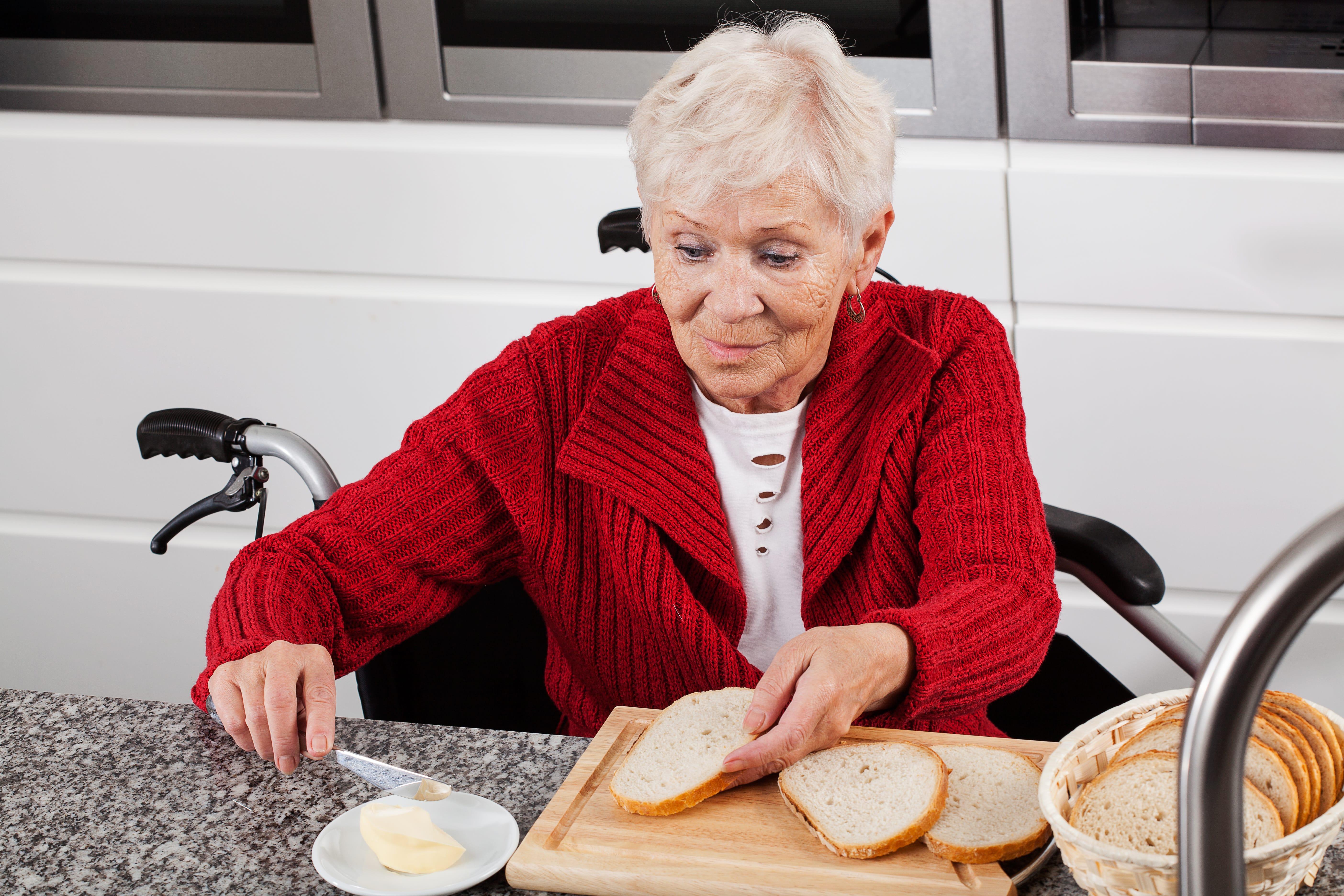 Küche seniorengerecht einrichten – 5 Tipps für barrierefreies Kochen