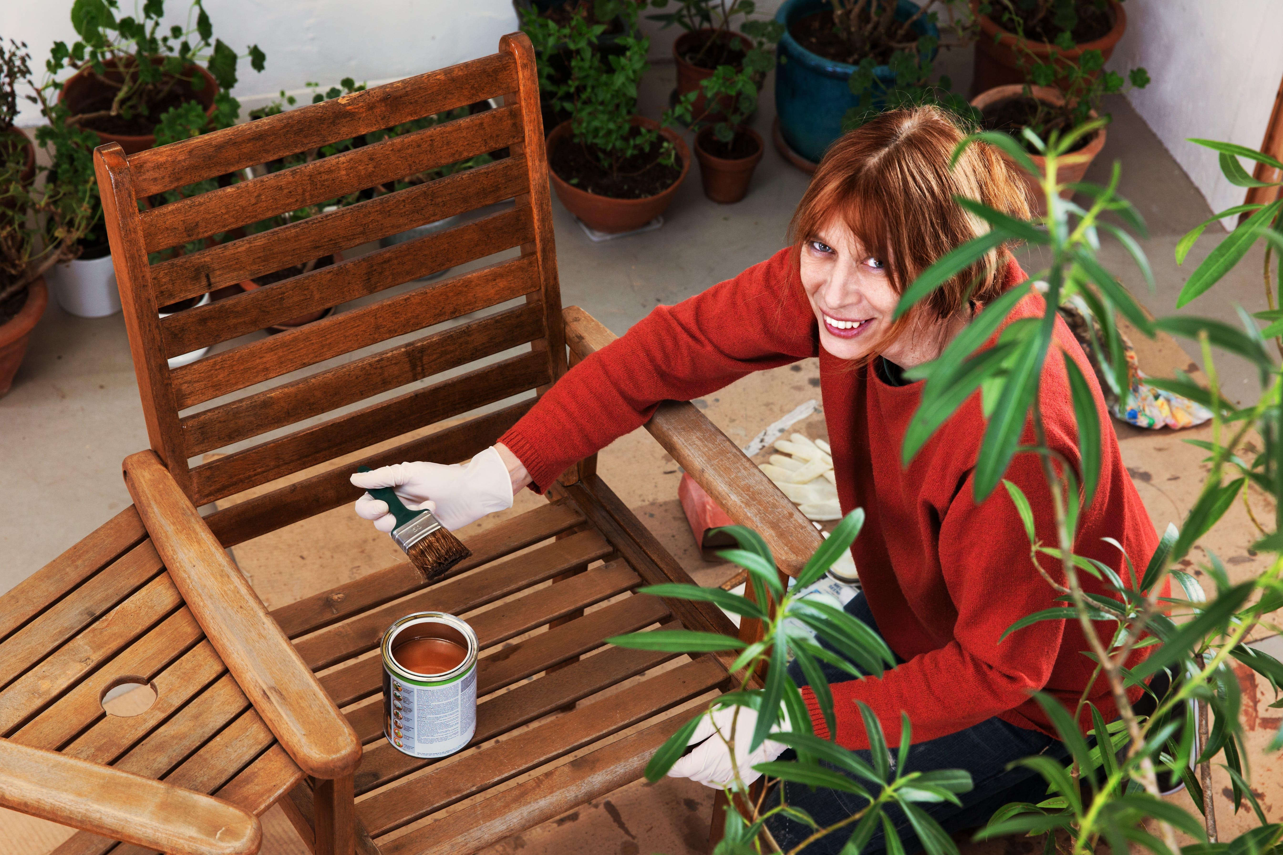 m belpflege l f r balkon und gartenm bel verwenden. Black Bedroom Furniture Sets. Home Design Ideas