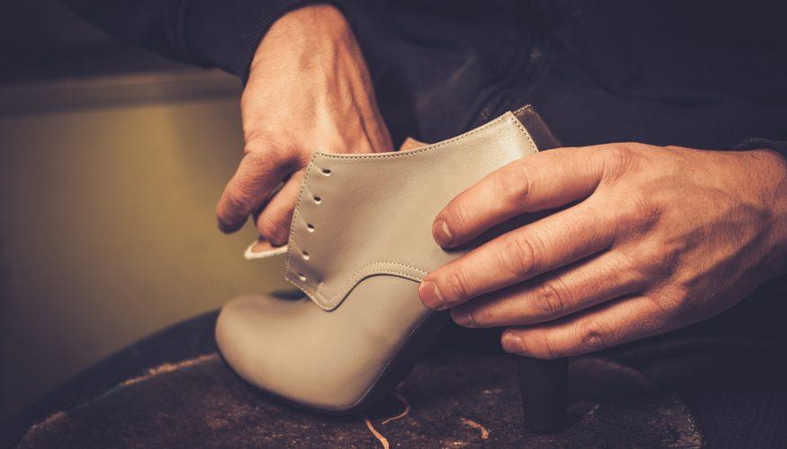 Schuhe weiten – 6 Tipps gegen drückende Schuhe