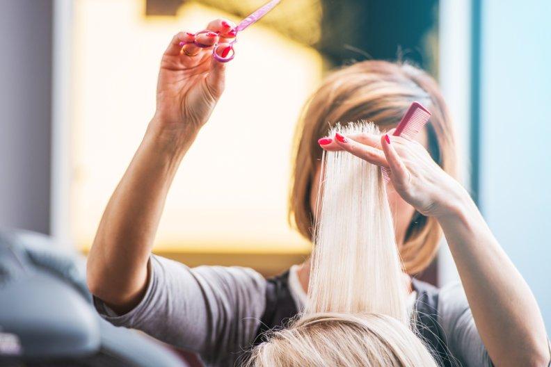 Haare schneiden – So sparen Sie viel Geld
