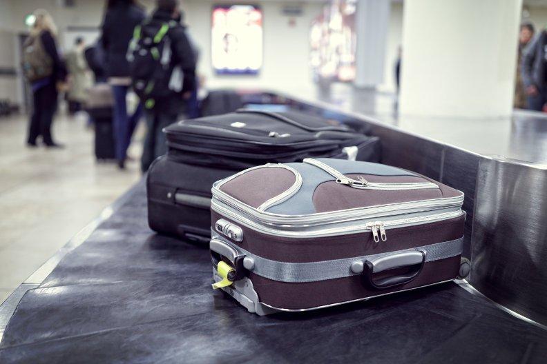 Kofferversteigerung am Flughafen – Versuchen Sie Ihr Glück!