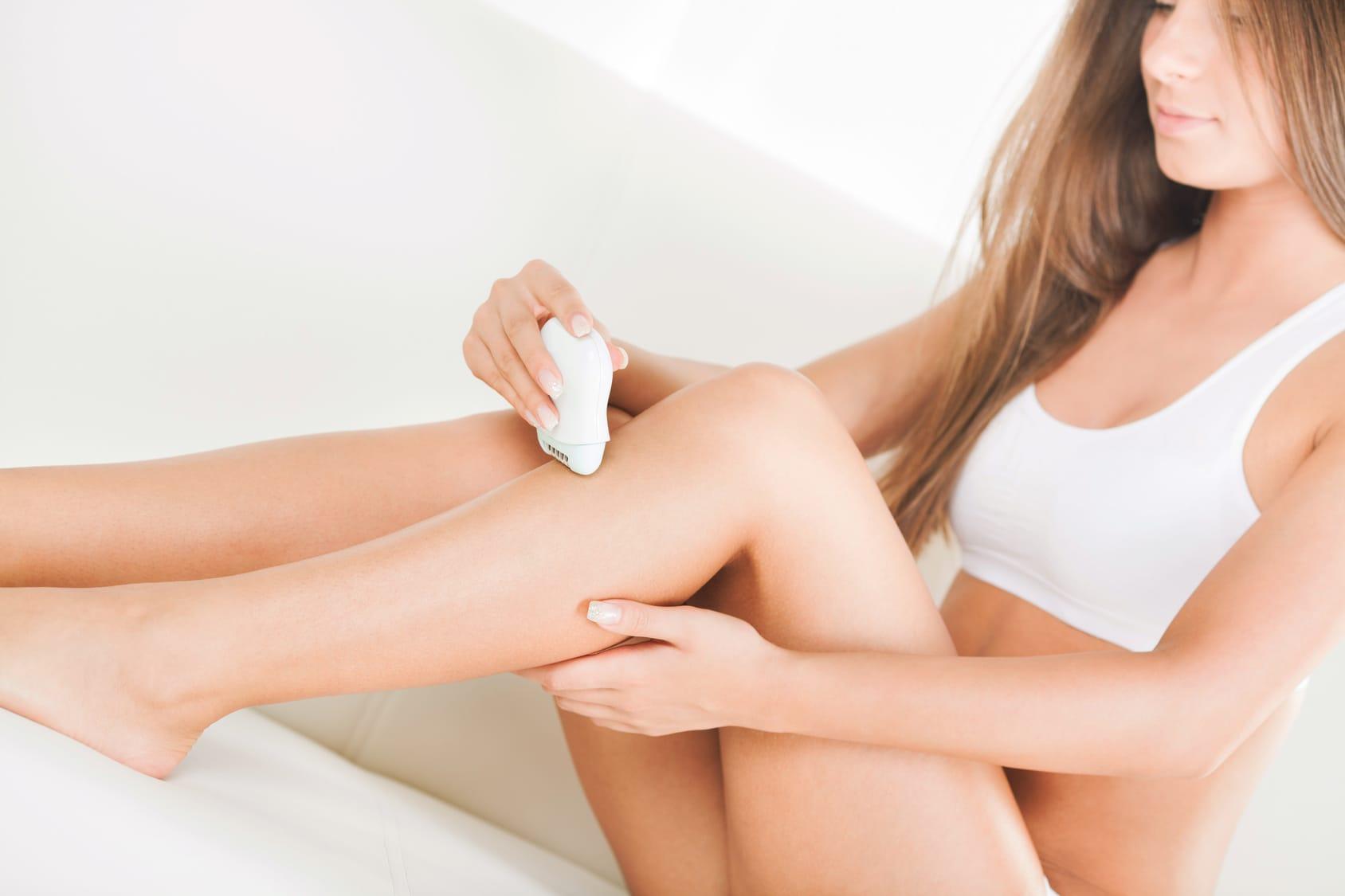 Haare entfernen – 3 Enthaarungsmethoden