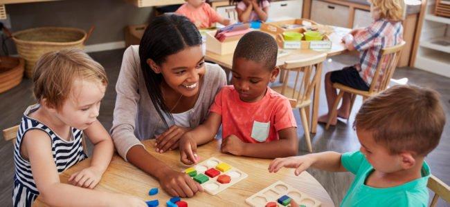 Kindesentwicklung: Meilensteine der Kleinkindentwicklung erklärt