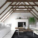 Zimmer mit zwei Dachschrägen