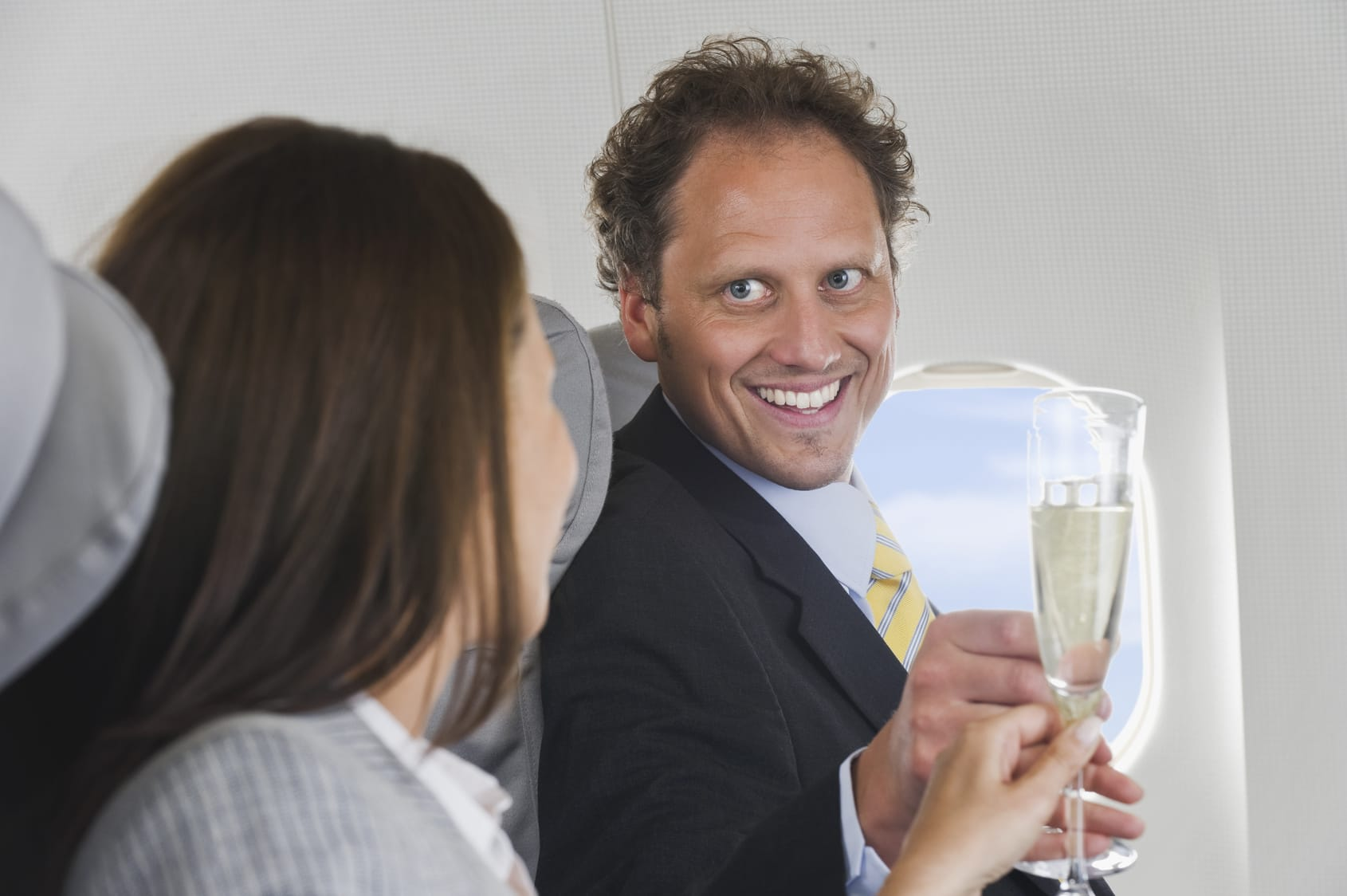 Lieber keinen Alkohol im Flugzeug trinken?