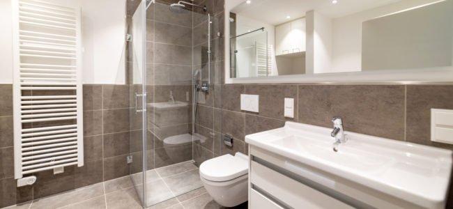 Dusche einbauen: So bereiten Sie den Einbau der neuen Dusche vor