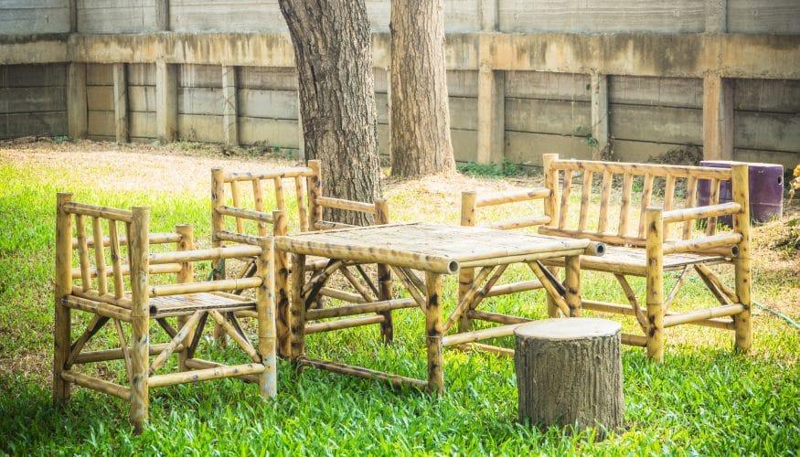 Behandlung von Bambusmöbeln