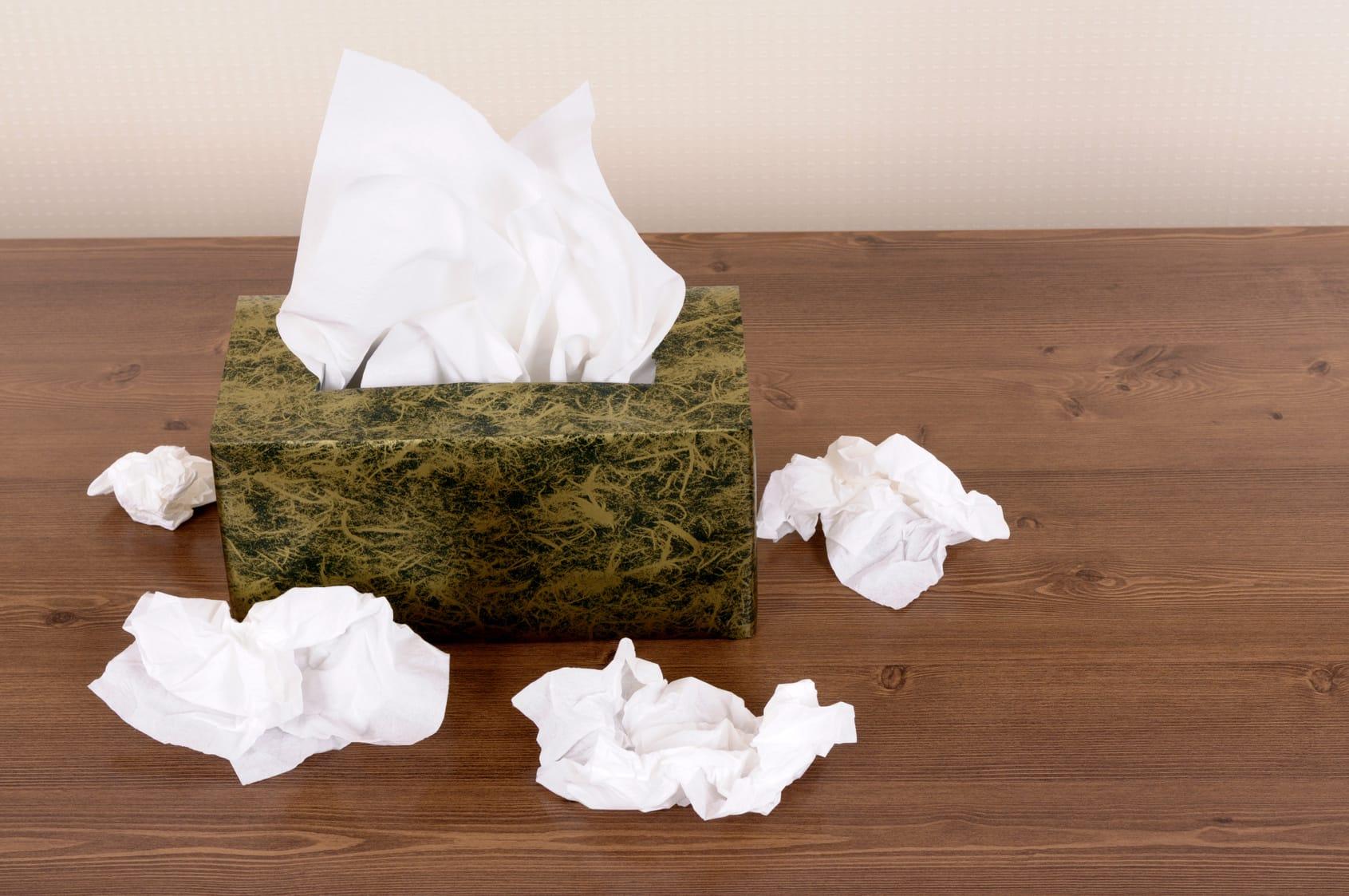 Benutzte Taschentücher – Besteht Ansteckungsgefahr?