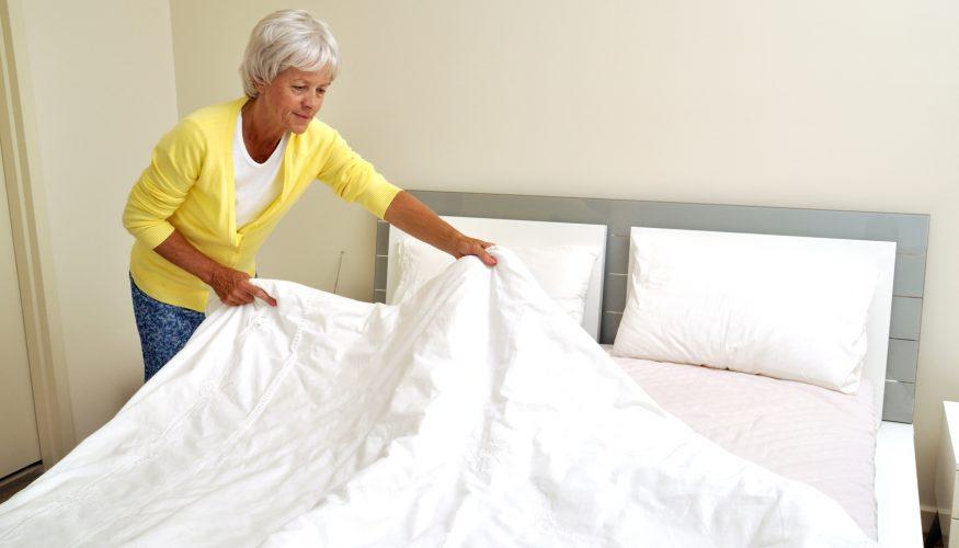 Bett reinigen – Tipps gegen Staub, Schmutz und Milben