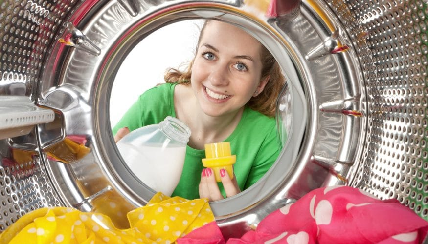 Colorwaschmittel – Enthalten sie einen wäscheschonenden Zusatz?