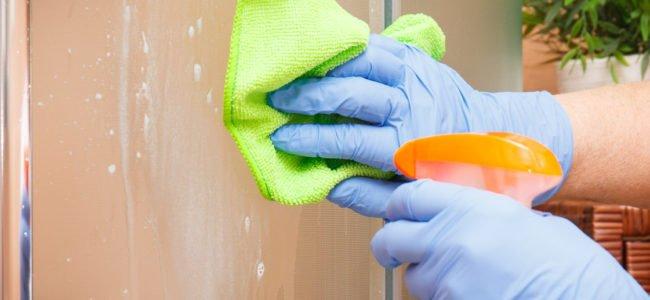 Duschkabine reinigen – So erstrahlt Ihre Dusche in neuem Glanz