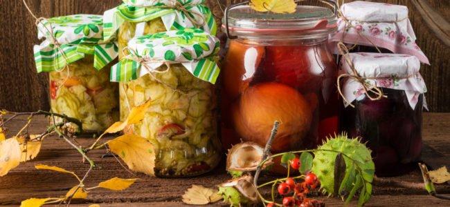 Obst einkochen: So machen Sie die Früchte länger haltbar