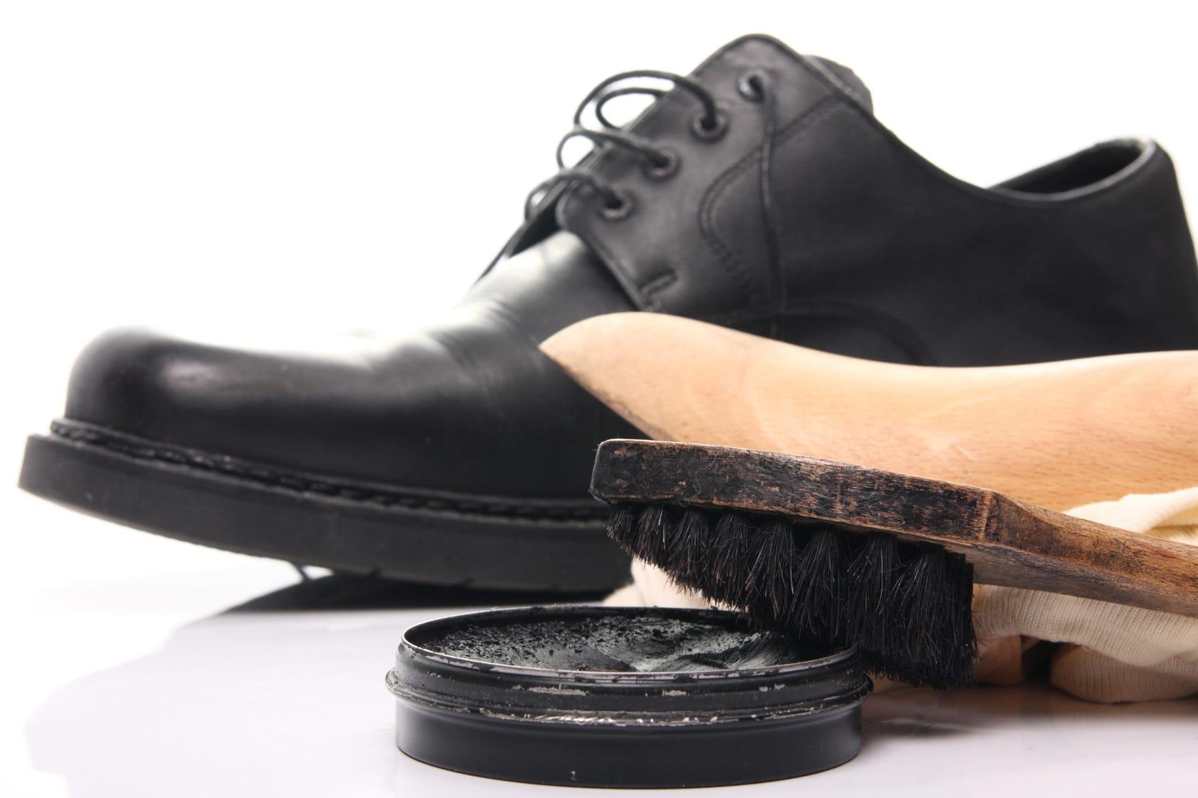 Eingetrocknete Schuhcreme – 2 Tipps wie sie wieder weich wird