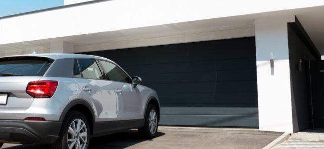 Elektrische Garagentore: Typen und Tipps für die Installation eines Garagentorantriebs
