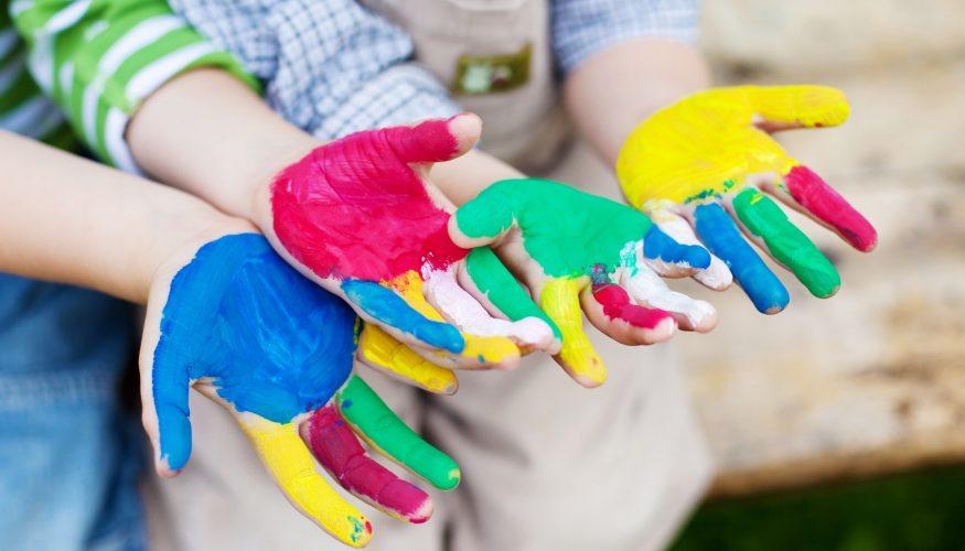 Fingerfarbe und Knete selbst machen