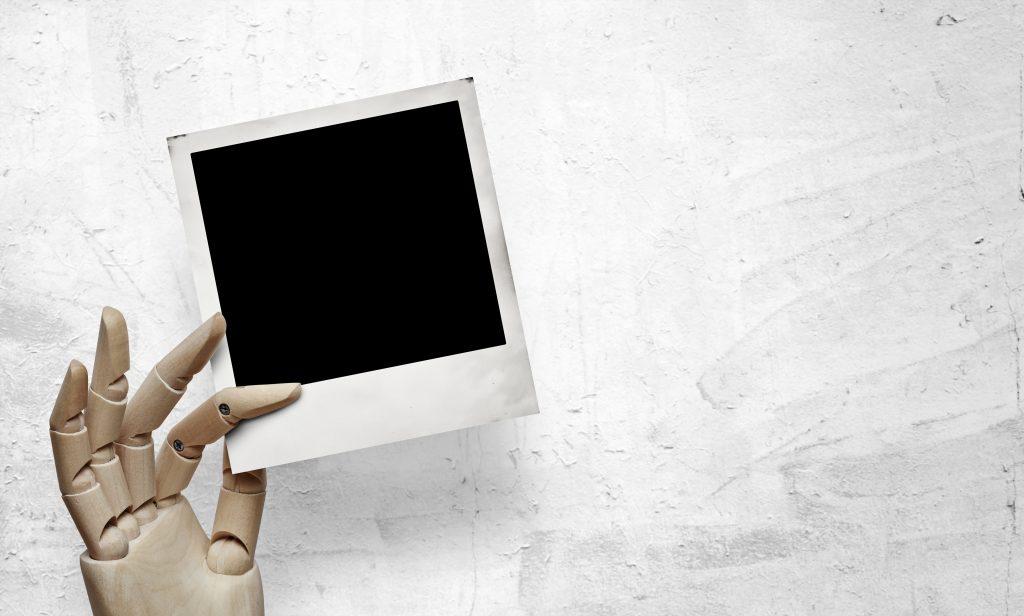 fingerspuren und flecken von fotos entfernen. Black Bedroom Furniture Sets. Home Design Ideas