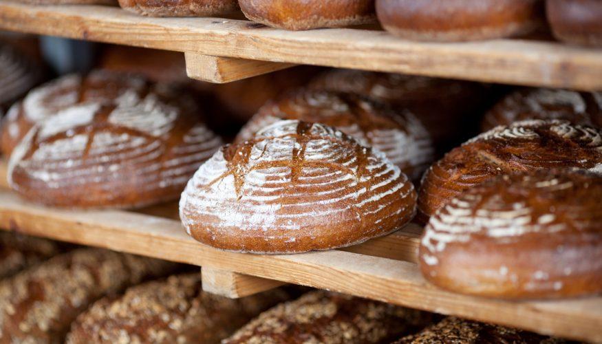 Frisches Brot – Bekommt man davon Bauchschmerzen?