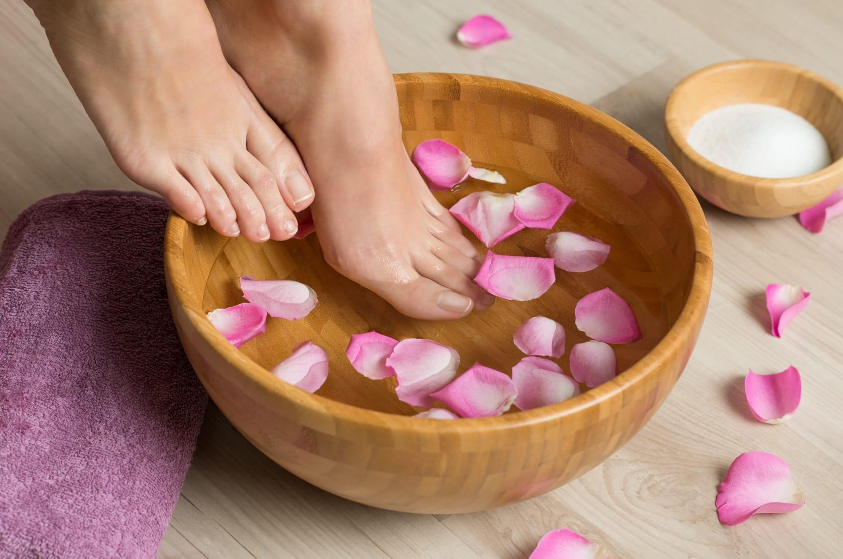 Fußpflege selber machen – Schöne Füße in 4 Schritten