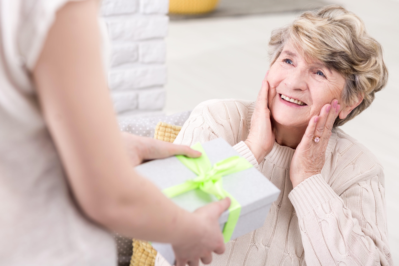 Geschenk für Oma – 10 Ideen