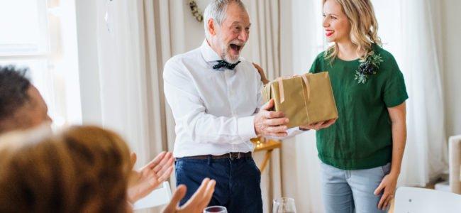 Ein Geschenk für Opa – 8 Ideen, um ihm eine Freude zu machen