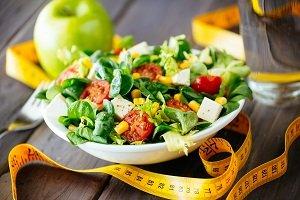 Ernährung zum Abnehmen auf dem tisch