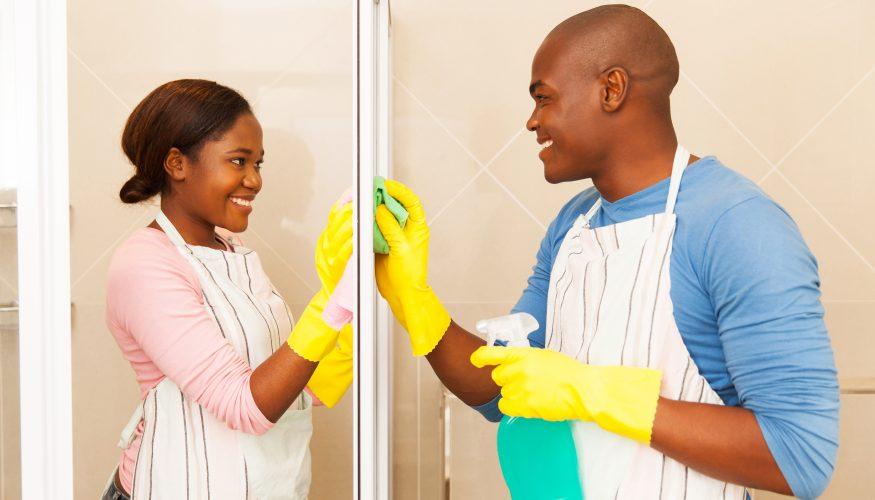 Glasdusche reinigen – 7 Tipps die helfen