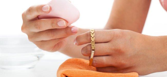 Goldschmuck reinigen – 11 Tipps & Tricks