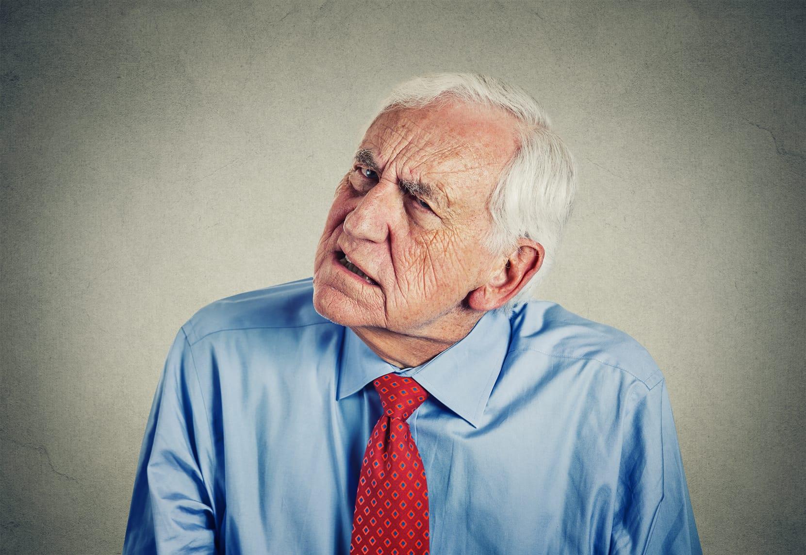 Haben alte Menschen größere Ohren?