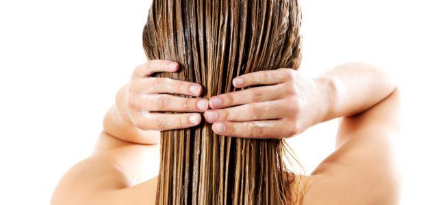 Haare ohne Shampoo waschen: Das sind die besten Alternativen