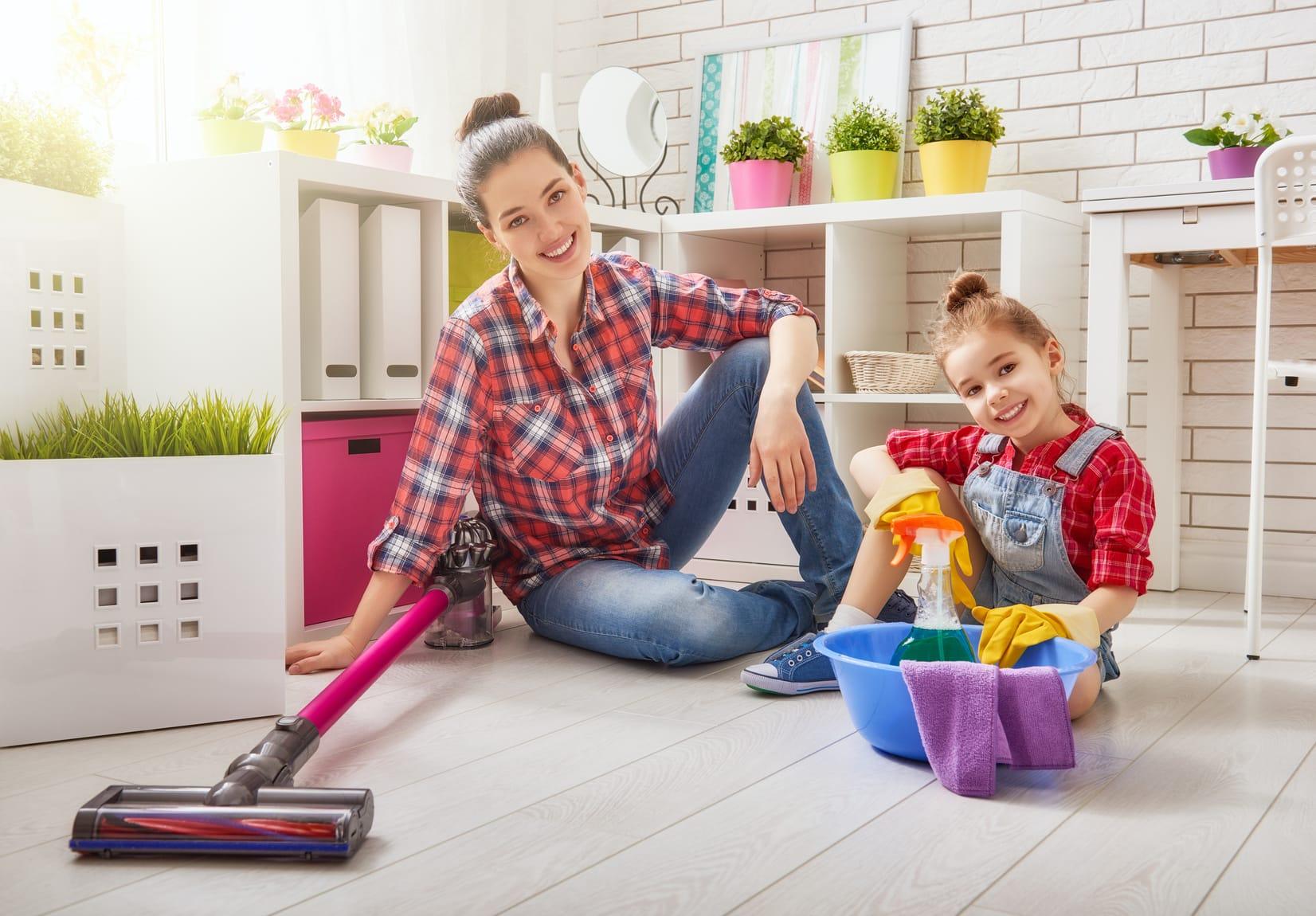 Haushaltsplan für Kinder: So motivieren Sie Ihre Kinder zur Hausarbeit