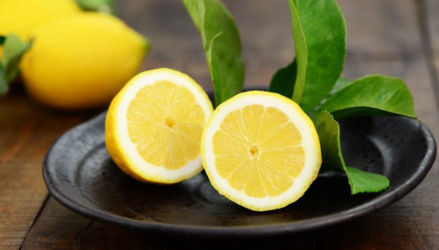 Hausmittel Zitrone – So vielfältig einsetzbar ist die Frucht