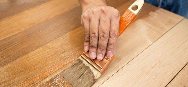 Holz färben: Die richtige Methode für jeden Anwendungszweck