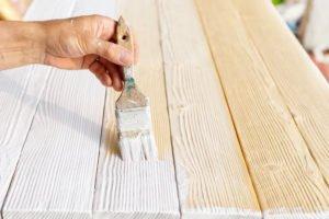 Holz hell färben