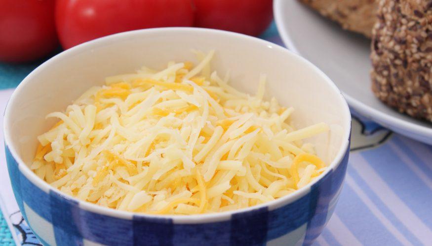 Elektrische Käsemühle – Mühelos Hartkäse reiben