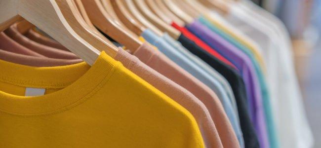Neue Kleidung waschen: Deswegen sollten Sie Ihre Wäsche immer vor dem ersten Tragen waschen