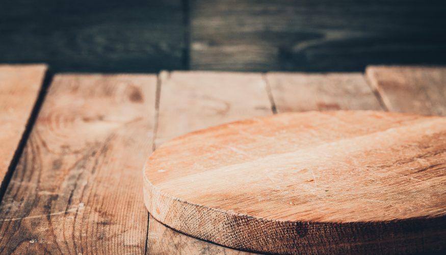 Kratzer im Holz entfernen – So wird's gemacht