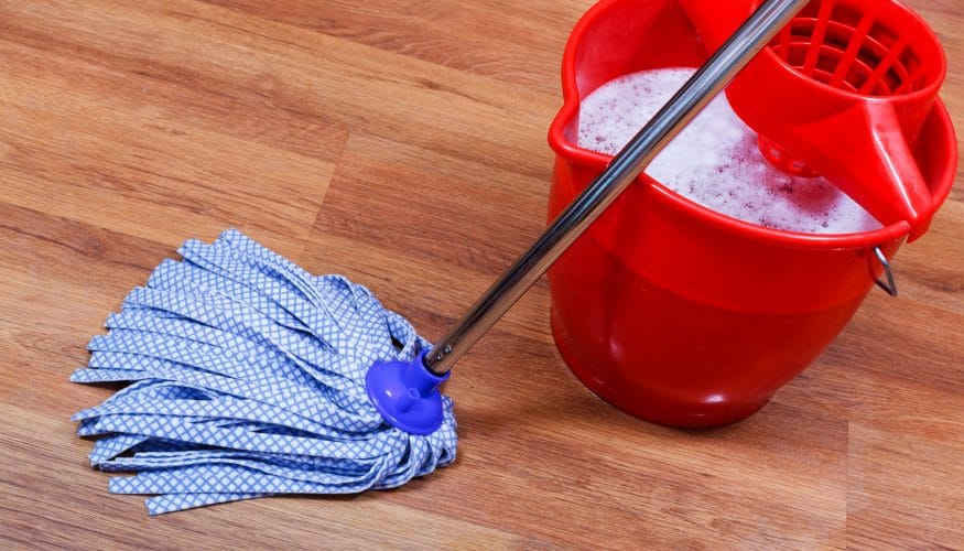 laminat streifenfrei wischen anleitung und tipps zur reinigung